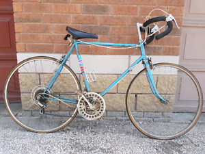 Selling Vintage Bicyles and 1 Lawnnower