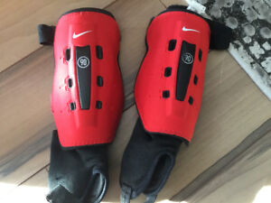 NIKE SOCCER GUARDS FOR KIDS