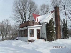 Jolie maison rénovée a Pierreville près de Sorel