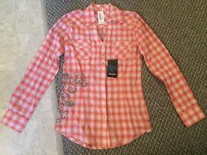 Wrangler Rock 47 shirt. Strathcona County Edmonton Area image 2