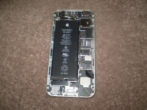 Apple i Phone 6 ( No Screen ) i Cloud Locked ( For Parts )