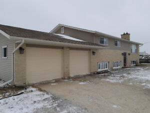 Highway 75/ Pembina Highway 5 Bedroom, Attached Garage and more