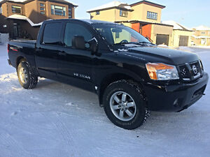 2012 Nissan Titan Pro-4x Black with Heated Leather Seats!