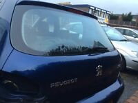 Peugeot 307 boot tailgate. Window glass, wiper and button breaking