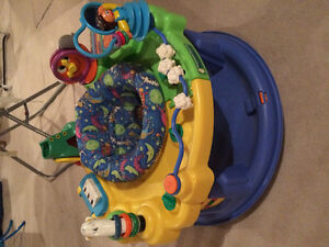 Graco saucer/interactive /turns