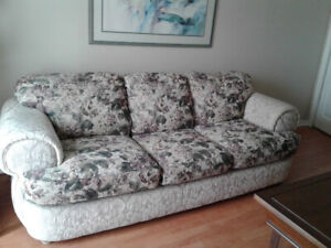 Pleasing Orillia A Buy Or Sell A Couch Or Futon In Barrie Kijiji Evergreenethics Interior Chair Design Evergreenethicsorg