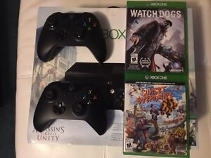 Xbox One, 2 controllers, 2 games
