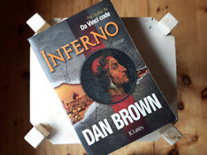 Livre Inferno de Dan Brown en superbe condition !!!