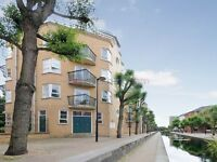 1 bedroom flat in Monkton House, Canada Water SE16