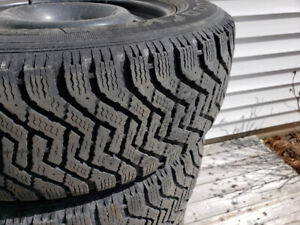 225/65/17 x 4 goodyear Nordic winter tires on time 9/32nds