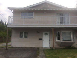 5 BEDROOM HOUSE BY UNIVERSITY $2150
