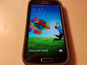 **SAMSUNG S4 WITH OTTERBOX CASE**