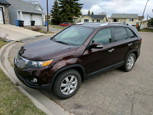 Must sell 2012 kia Sorento