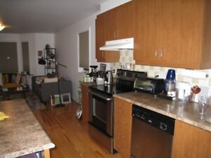 Super Condo in Bois-Franc, Ville St-Laurent (514)248-9400