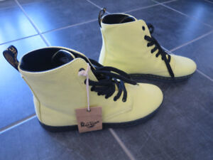 Dr. Martens-Air Wair: Hackney, acid yellow in canvas, size 9