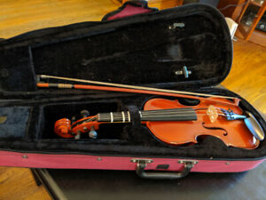1/2 size violin and case