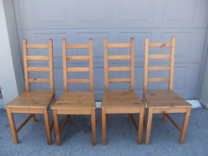 4 solid pine mission style dining chairs in great cond