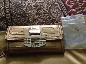 Guess Purses and Wallet Cambridge Kitchener Area image 2