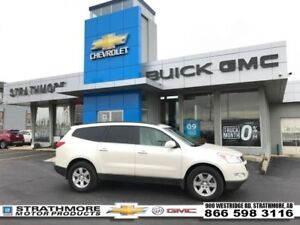 2011 Chevrolet Traverse 2LT-Leather Heated-DVD-Bluetooth-Remote