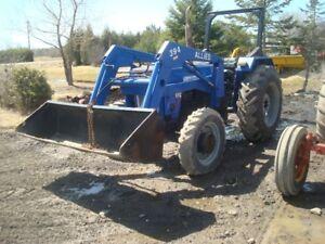 445 Universal Tractor