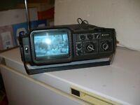 Télé combinée avec radio AM-FM de marque SANYO