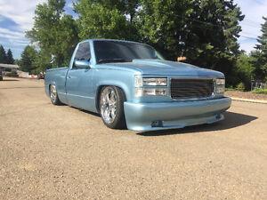 1990 GMC Sierra 1500 Blue Pickup Truck