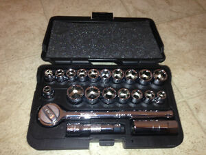 Benchmark 21 Piece Metric/SAESocket Set 3/8""