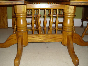 Solid table and 5 chairs