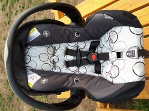 Infant Carseat for sale