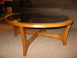 Round Coffee Tabe