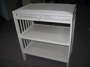 Like new condition Ikea change table
