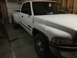 2000 Dodge Power Ram 3500 Pickup Truck