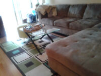 Room to rent close to go train for lady only $650 monthly