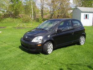 2005 Toyota Echo Hatchback - LOW KM 39K!!!!