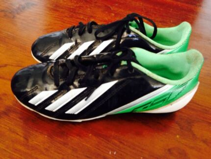 Boys Adidas football / soccer  boots. Size 5. Hallett Cove Marion Area Preview