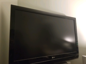 Lg led TV 42 inch mint condition