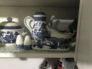 Churchill Blue Willow dish set