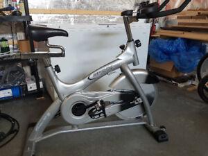 Vélo exerciseur