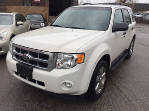 2011 Ford Escape XLT/LEATHER/ROOF/AWD/NO ACCIDENT