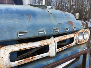 1958 FARGO 700 Cab and Chassis
