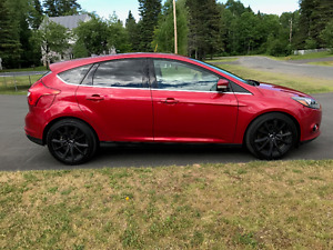 2012 FORD FOCUS TITANIUM - LOADED/NAVIGATION/SYNC/LEATHER/18inch