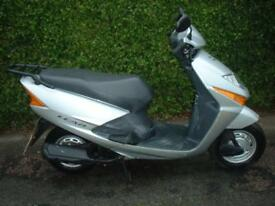 Honda SCV100 Lead Scooter