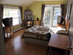 Wow, Furnished, Southend, All inclusive room $675