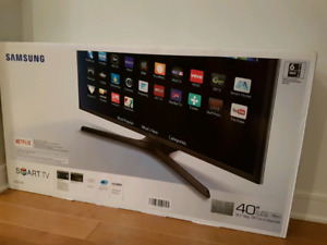 Samsung Smart TV 40'' (Brand new in box)