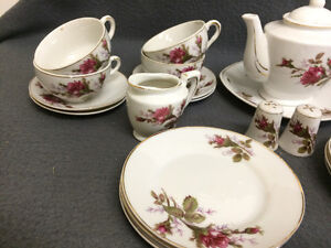 Collectible Antique Small Tea Cup Setting For 6 London Ontario image 6