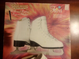 girls skates size 3- new in box