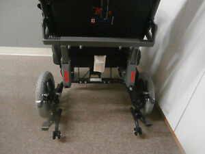 IBIS X-Series Tilt-in-Space Manual Wheelchair Campbell River Comox Valley Area image 9