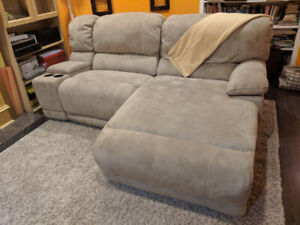 Leons comfortable sofa/couch/recliner