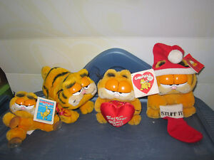 4 PIECE 1978 GARFIELD PLUSH COLLECTION  *VERY GOOD CONDITION 3 O