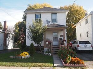 WELCOME TO THIS THREE BEDROOM HOME CENTRALLY LOCATED Cornwall Ontario image 1